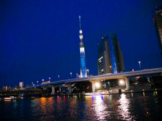 東京スカイツリーと江戸川